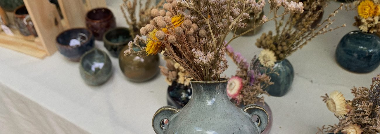 Christmas Gift Idea Guide: Ceramic Vases with Dried Flowers